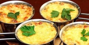 Где можно найти рецепт с фото приготовления жюльена из курицы с грибами на сковороде