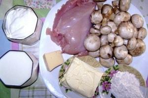 Как и с какими ингредиентами можно приготовить жюльен из грибов и курицы на сковороде в домашних условиях