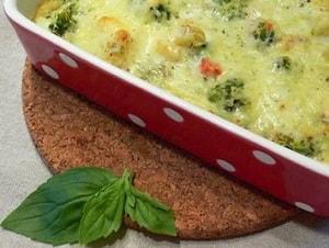 Чем обычно заправляют запеканку из овощей, приготовленную в духовке
