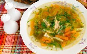 """Где можно найти рецепт рыбного супа из консервов """"Сайра"""""""