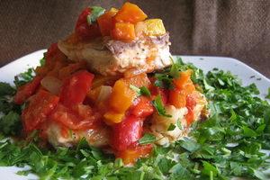 Как следует тушить минтай с овощами и другими ингредиентами