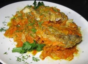 Как приготовить тушеный минтай с овощами на сковороде по вольному рецепту