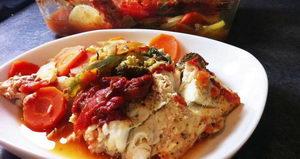 Как и с какими дополнительными ингредиентами можно приготовить рыбу с овощами в духовке