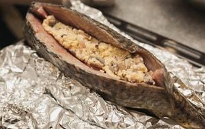 Где можно найти рецепт с фото приготовления фаршированной щуки в духовке целиком