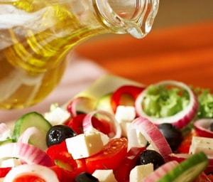 Как приготовить вкусный груческий салат с фетаксой в домашних условиях