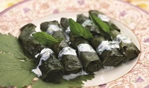 Как приготовить традиционную армянскую долму из виноградных листьев