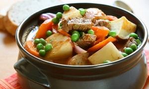 Как и с какими дополнительными ингредиентами можно приготовить жаркое из говядины с картошкой