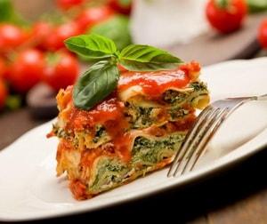Какова диетологическая ценность лазаньи с фаршем, приготовленной по рецепту в духовке