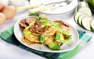 Как и с какими ингредиентами можно сделать оладушки из кабачков