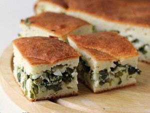 очень вкусный и легкий пирог из зеленого лука.