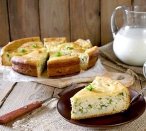 Как и с какими дополнительными ингредиентами можно приготовить пирог с зелёным луком и яйцом в духовке
