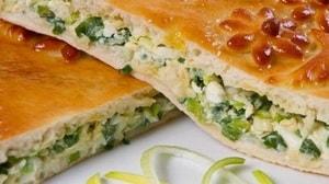 Как и с какими дополнительными ингредиентами можно приготовить заливной пирог с зелёным луком и яйцом на кефире