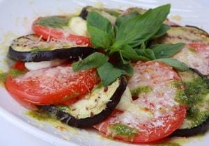 Как приготовить запеканку из баклажанов с помидорами, сыром и оливковым маслом в духовке