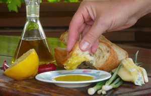 Как эффективно и быстро почистить сосуды от холестерина народными средствами