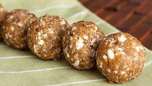 """Как приготовить конфеты """"Шоколадное Средиземноморье"""" из сухофруктов и орехов своими руками"""