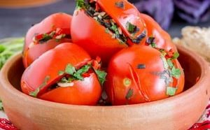 Где можно найти рецепт малосольных помидоров быстрого приготовления