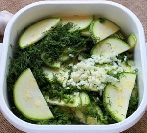 Какие специи использовать для изготовления маринованных кабачков быстрого приготовления в сыром виде