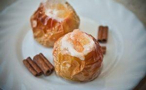 Где можно найти рецепт с фото печеных в духовке яблок
