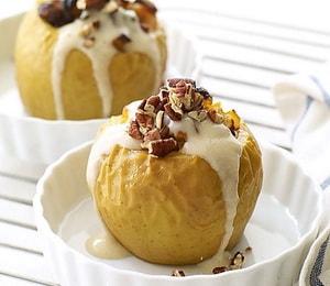 Как и с какими дополнительными ингредиентами можно приготовить печеные яблоки в духовке