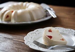 Какова диетическая ценность творожного бланманже с фруктами, приготовленного по рецепту с фото