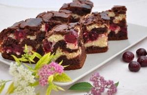 Какова диетологическая ценность пирога брауни с творогом и вишней