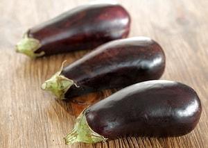 Как правильно выбрать ингредиенты для того, чтобы приготовить маринованные баклажаны быстрого приготовления