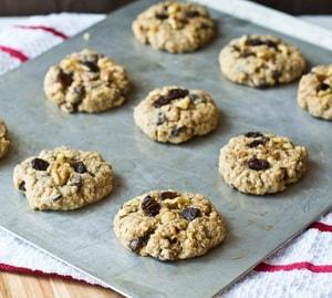 Как приготовить диетическое творожно-овсяное печенье в духовке