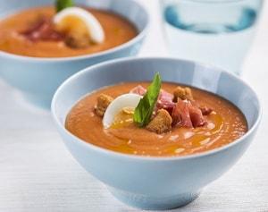 Как и с какими дополнительными ингредиентами можно приготовить томатный суп-пюре