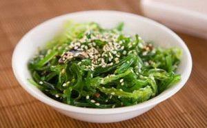 Где можно найти лучший рецепт салата из морской капусты
