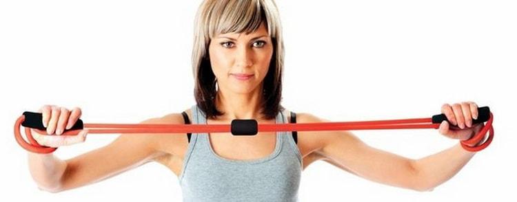как выполнять упражнение с эспандером