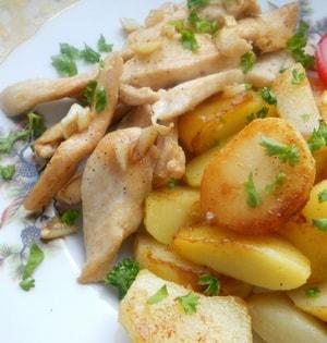 Картошка, запеченная в мультиварке с мясом