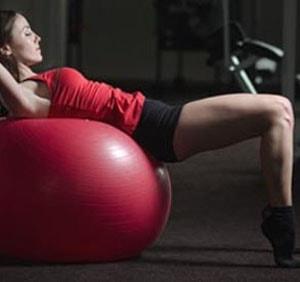 эффективные упражнения на фитболе для похудения