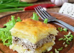 Картофельная запеканка с фаршем: вариант с сыром