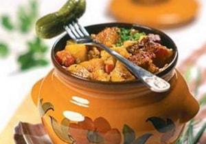 жаркое в горшочке с мясом и картошкой в духовке рецепт с фото